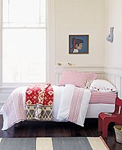 Smocking Hearts Duvet Cover by Hanna Andersson