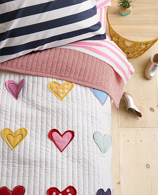 Reversible Hearts Aflutter Quilt by Hanna Andersson