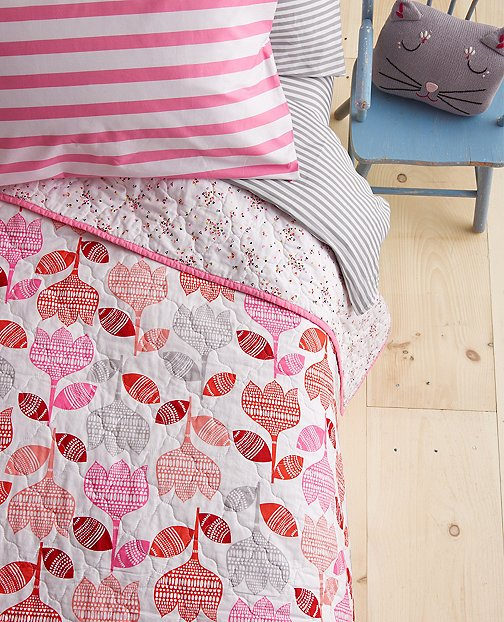 Reversible Swedish Tulip Quilt by Hanna Andersson