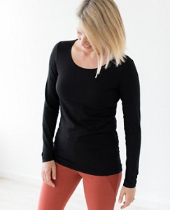 Women Perfect Fit Pima Tee by Hanna Andersson