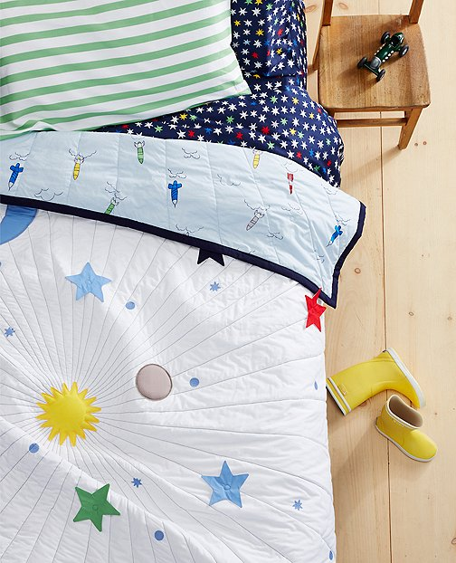 Reversible Galaxy Quilt by Hanna Andersson