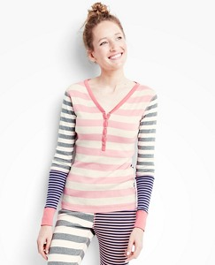 Women's Henley In Organic Cotton by Hanna Andersson