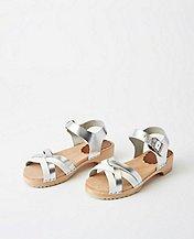 Kids Shiny Sandal Clogs By Hanna