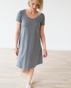Women Scoopneck Pima Dress by Hanna Andersson