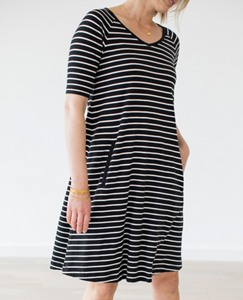 Women Simple Swing Dress by Hanna Andersson