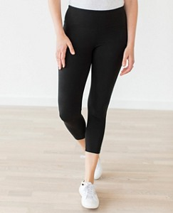 Women Signature Capri Leggings by Hanna Andersson