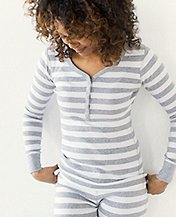 Women Henley In Organic Cotton by Hanna Andersson