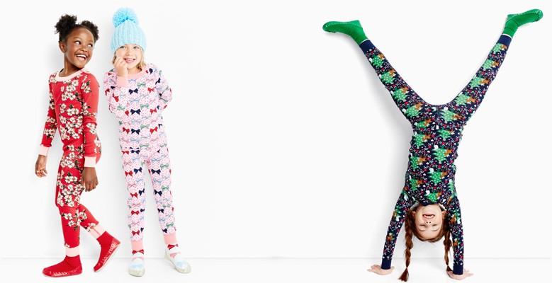 25% off sleepwear shop oodles of holiday pj's