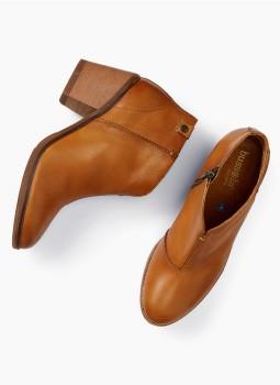 Shop Women SHOES & MORE boots, sandals, belts. shop accessories.